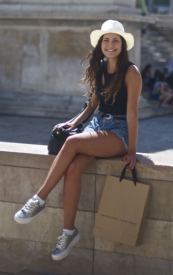 Oda Eide - Paris Hat, H&M Top, Leather Shop In France Belt, Marc By Jacobs Bag, Topshop Shoes - French summer
