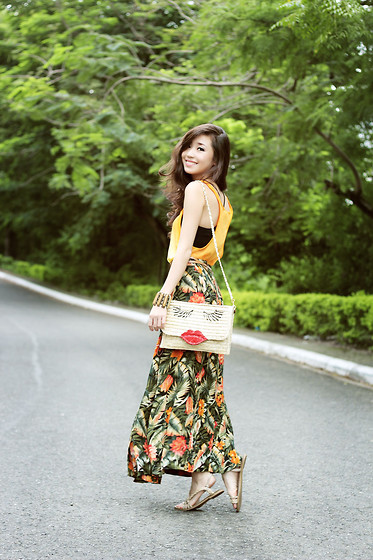 Kryz Uy - Shoppalu Maxi Skirt, Wagw Bag - Tropical Dream