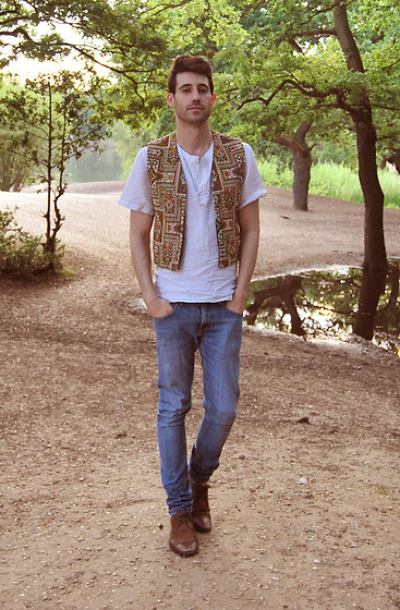 Adrian Cano - Vintage Waistcoat - Summer sunset in the forest