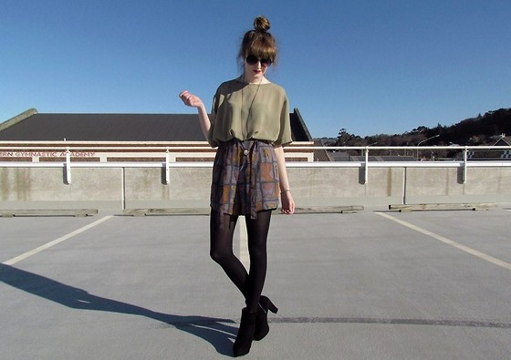 Amy Dunn - Topshop Sunglasses, Thrifted Sheer Tee, Thrifted Tribal Culottes - Spring!