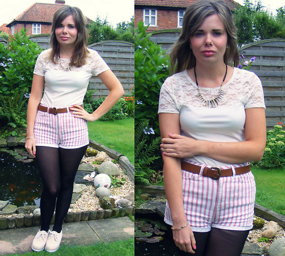 Abbie P - H&M Top, Topshop Shorts, Primark Belt, New Look Necklace - Giveaway on my blog!