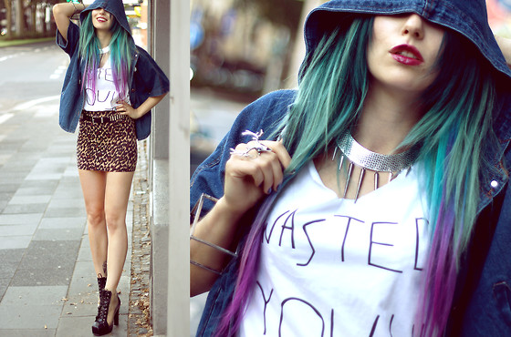 "Masha Sedgwick - Bracelet, H&M Skirt, Ring, Shirt ""Wasted Youth"", Jacket, Collar, Boots - We are the WASTED YOUTH."