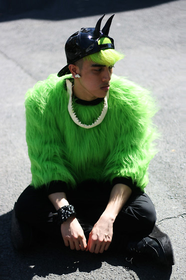 Paul Jatayna - Os Aquademon Cap, Os Seagnome Earring, Os Jaws Necklace, Unknown Green Fur Sweater, Os Lobsterhead Bangle, Underground Creepers - AQUADEMON