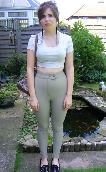 Abbie P - American Apparel Riding Pants, Tops Crop Top - Riding pants in taupe!