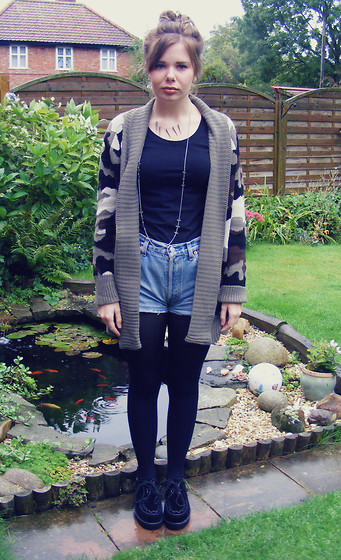 Abbie P - New Look Cardi - Camo & Creepers