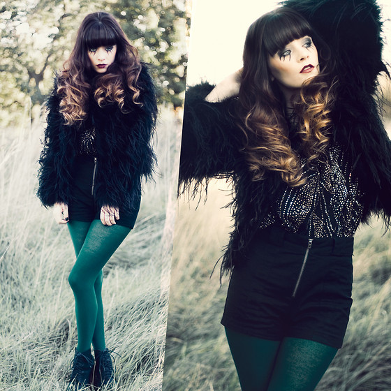 Rachel-Marie Iwanyszyn - Romwe Fur Coat, Lost And Found Vintage Glitter Shirt, Topshop Green Tights, Jeffrey Campbell Lanas, Http://Www.Jaglever.Com - BLACK LEAF FALLS
