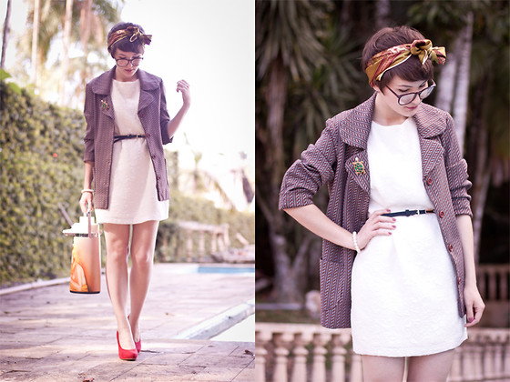 Barbara Zanella - Dress Like A Nerd Blazer, Vintage White Dress - Yes, I have enough coffee.