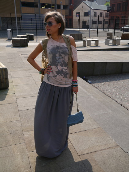 Irena D - Gap Skirt, Topshop Bag - Sunny Autumn day in Manchester