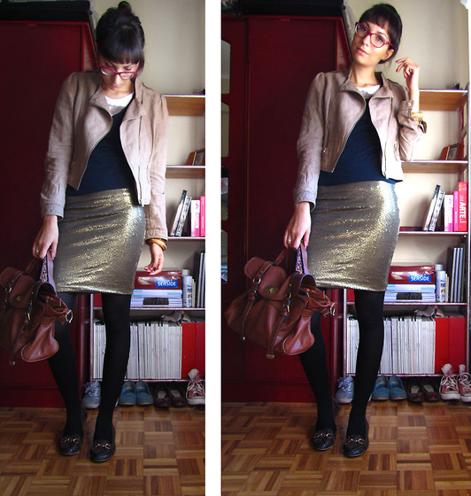 Joana Duarte - H&M Beige Perfecto, Pull & Bear Sequinned Skirt, Leather Satchel, Snake Print - We are GOLDEN !