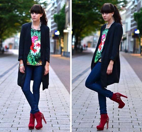 Lucy De B. - Tropical Print Tee, Red Boots With Studs - Red studded boots