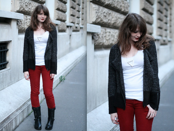Mahayanna . M - Les Tropeziennes Studded Biker Boots, Freeman Porter Red Pants - Manowa