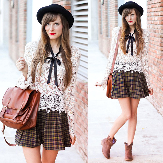 Steffy Degreff - Tea And Tulips School Girl Skirt, Roxy Buckeye Boots - Autumn lace.