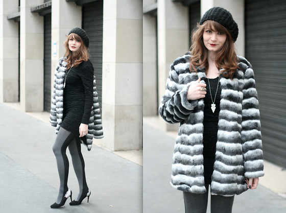 Mahayanna . M - Cette Bi Color Tights, Derhy Fake Fur Coat - Lemur