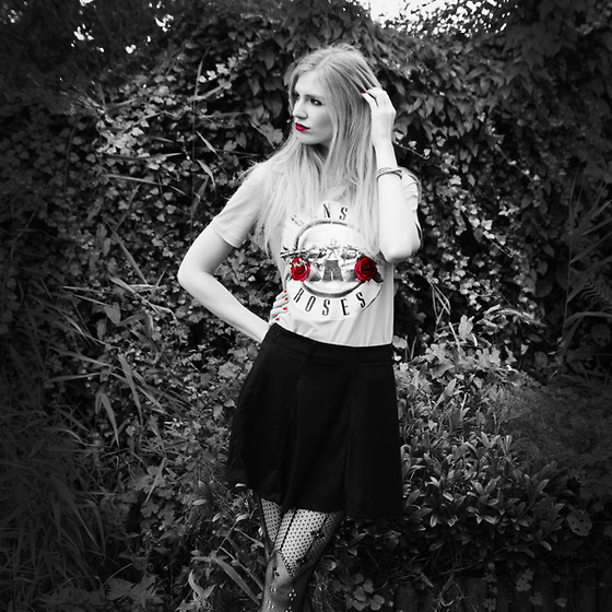 Zuzi * - Guns'n'roses Tee, Black Skirt, Diy Bracelet - Guns'n'Roses