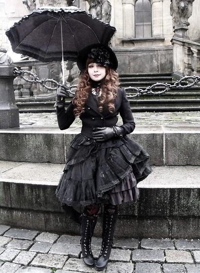 Gothic Vampire Doll