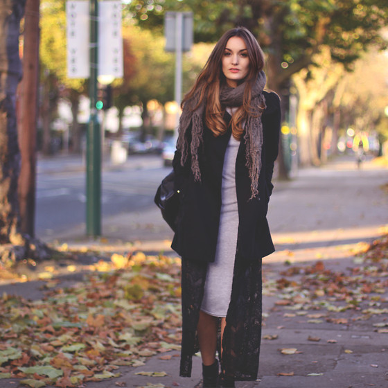 Anouska Proetta Brandon - H&M Coat, Missguided Dress, Office Boots, Folkster Cardigan - Bye bye blonde.