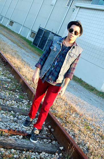 Matthew Woppel - Topshop Aviators, Levi's® Denim Vest, Aldo Shoes - Red pants