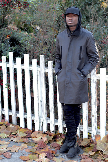 Brandon Chase - Velcoback Cap, Trench Coat, Zipper Style Skinny Jeans, Timberland Black Boots - LONGCOATSANDBOOTS