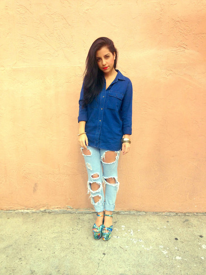 Raaz and Naazak Taghipour - Madewell Chambray Shirt, Bdg Boyfriend Jeans, We Who See Hawaiian Flatforms - {Denim or Chambray} Why we love both!