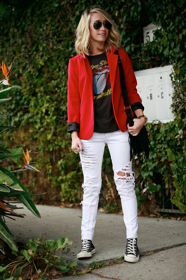 Jessica Snyder - Silence & Noise Boyfriend Blazer, Zara Ripped Jeans - Rock N' Roll Will Save Your Soul.