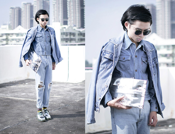 Judas Lee - Maison Martin Margiela Candy Clutch, Big John Vintage Denim Jacket, Vintage Denim Jacket, Asm Worn Out Jeans - DENIM mood