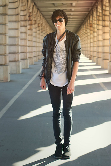 Florentin Glémarec - Clarks Desert Boots, Cheap Monday Black Pant, H&M Leather Jacket - Sun, i miss you