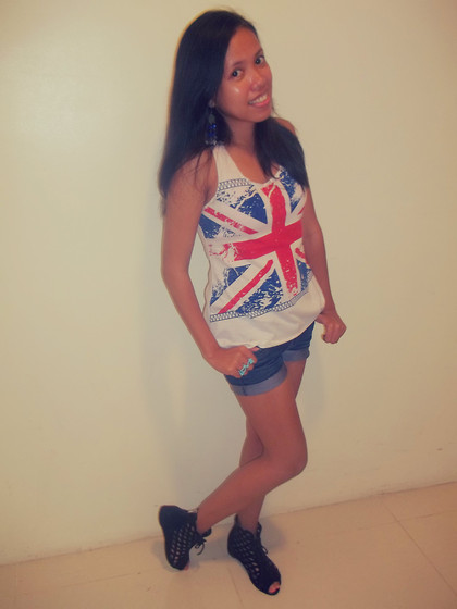 Venus Smileygal - Uk Flag White Sleeveless Shirt, Flat Booties - A Day At The Spa