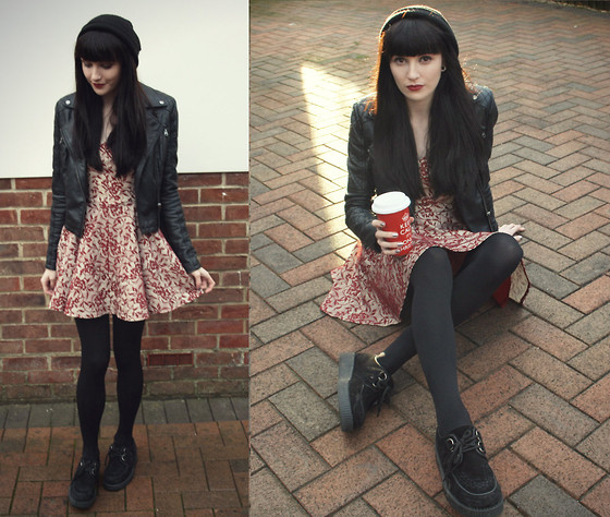 Kayleigh B - Topshop Lace Dress - Merry Christmas! ♥