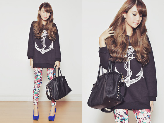 Tricia Gosingtian - The Orphan's Arms Sweatshirt, Emoda Leggings, Sugarfree Shoes, Forever 21 Necklace, Moussy Bag - 010313