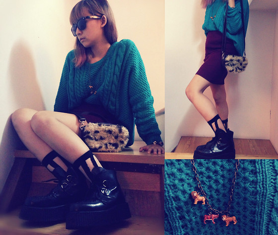 Zelia Su - Taiwan Underground Boot, Taiwan Striped Socks, Taiwan's Shop Animal Necklace, Mom Give Me Waist Skirt, Taiwan's Eshop Green Sweaters, Taiwan Furry Small Bag - Animals with me