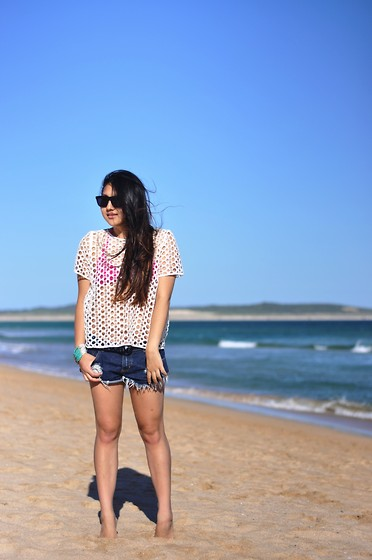 Karen - Madewell Top, One Teaspoon Shorts, Seafolly Bikini Top - Wanda beach