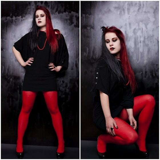 Aevoulette Benssalconia -  - Black 'n' Red