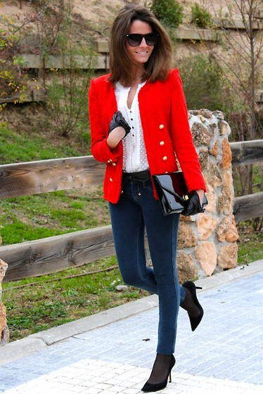 Silvia Garcia Blanco - Zara Jacket, Mango Blouse, Uterqüe Gloves, Zara Belt, H&M Bag, Hollister Jeans, Pilar Burgos Shoes - The Red Jacket / La Chaqueta Roja