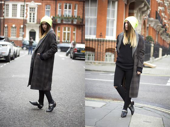 Lucita Y - Topshop Coat, Jeffrey Campbell Boots - AIRE SOY