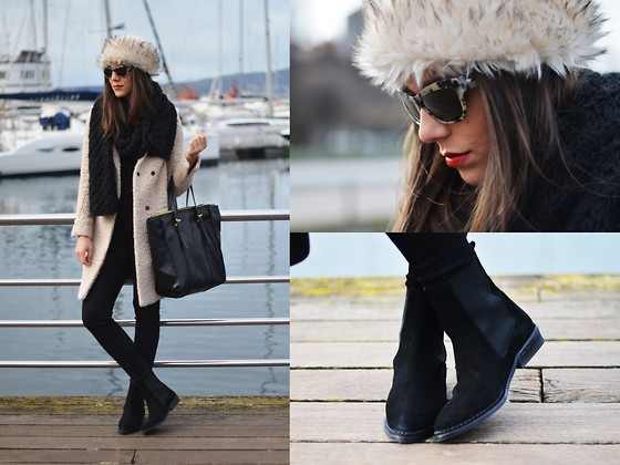 Carla Estévez - Asos Hat, Zara Booties, H&M Coat - Russian hat
