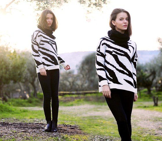 Mariana Soares Branco - Mango Zebra Sweater, Zara Black Jeans, Etxart&Panno Black Booties - The joys of being a Zebra
