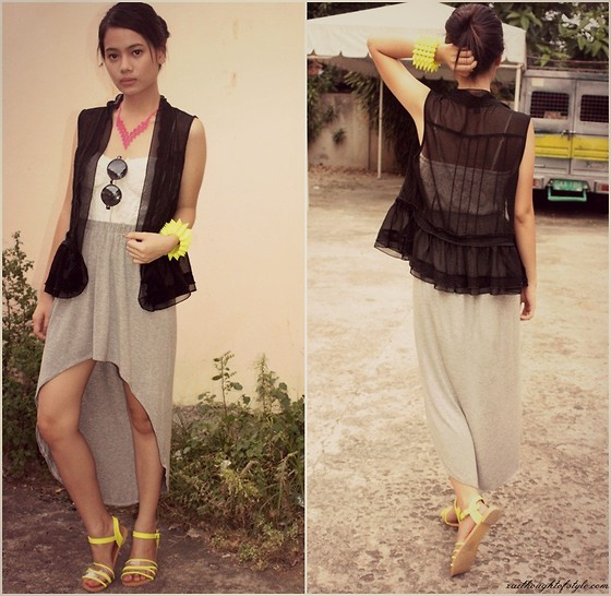 Zaira Chan - Forever 21 Sheer Vest, Papaya Clothing Corset, Wagw Skirt, Tutum Flats, House Of Luxe Bangle - Casual In A Festival