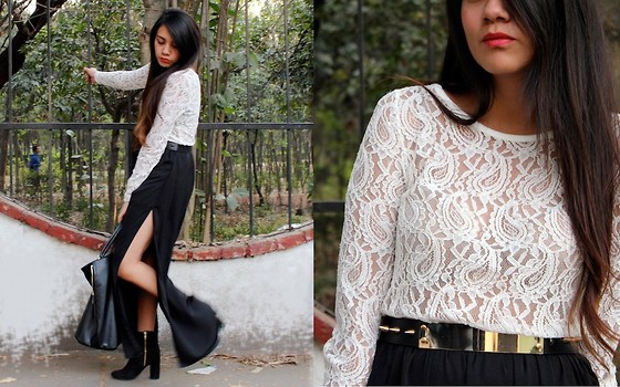 Jennifer Aranda - Ferriano Lace Shirt, Zara Long Black Skirt, H&M Black Ankle Boots, Zara Golden Belt, Zara Studded Bag - Blank pages