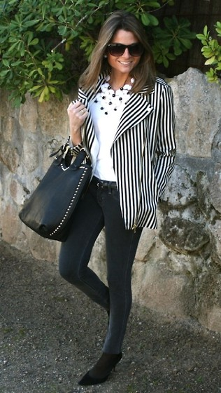 Silvia Garcia Blanco - Zara Jacket, Pilar Burgos Bag, Pilar Burgos Shoes, Hollister Jeans, Suite 210 Necklace, Mango Sunglasses - Stripes for the new season  / Rayas para la nueva temporada
