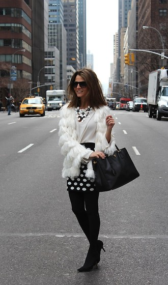 Silvia Garcia Blanco - Prada Bag, Forever 21 Skirt, Pilar Burgos Shoes, Nyc Jacket, Zara Blouse, Mango Sunglasses - Happy Valentine's Day!!!!! / Feliz día de San Valentin!!!!!