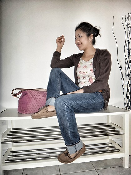 Khiara Albaran - Uniqlo Boyfriend Jeans, Nine West Moccasins, Dooney & Bourke Shoulder Bag - I chose brown