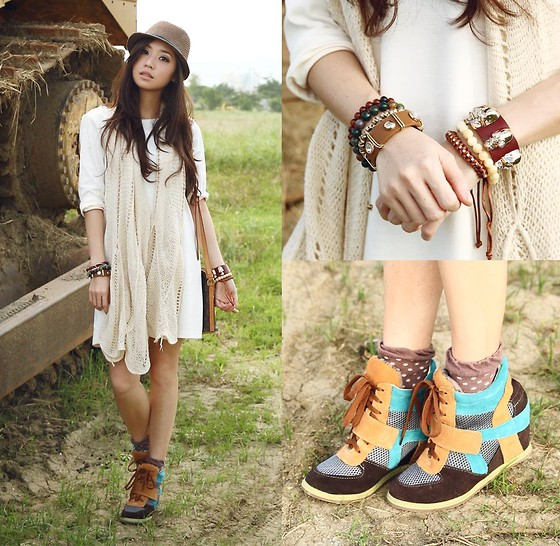 Kryz Uy - Sm Accessories Scarf, S&H Wedge Sneakers - Free Spirit