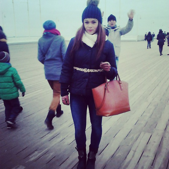 Olivia Dembowska - Zara Bag, Tiffi Jacket, Fleq.Pl Shoes, C&A Hat - Crazy dady