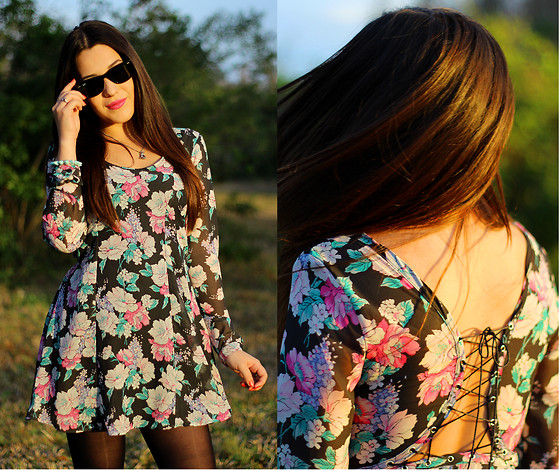 Natalie C - Nasty Gal Blooming Chiffon Dress, Ray Ban Wayfarers - Flower Child