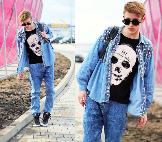 Adrian Kamiński - Second Hand Shirt, Sashka T Shirt, Stylepit Jeans ( Pants ), Nike Shoes, Brylove Glasses - Sporty Jeans