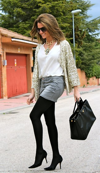 Silvia Garcia Blanco - Suite 210 Jacket, Zalando Skirt, Zara Blouse, Teria Yabar Necklace, Pilar Burgos Shoes, Prada Bag - Mixing : Formal + Informal / Mezclando : Formal + Informal