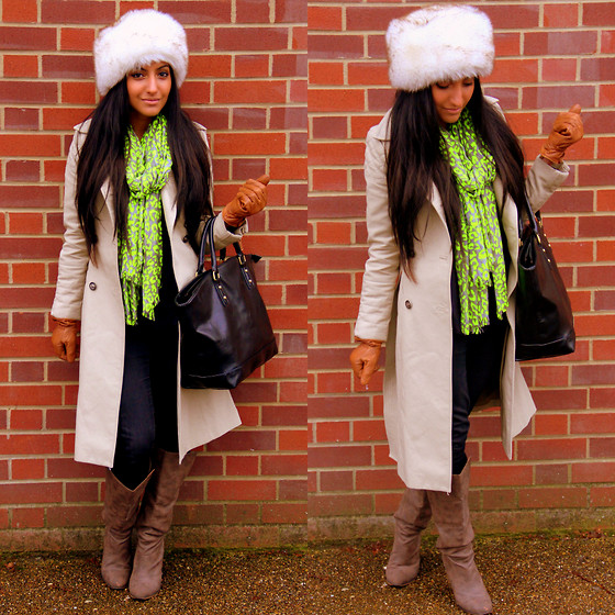 Shay Mirza - Gap Neon Animal Print Scarf, Zara Quilted Coat, Old Navy Skinny Jeans, Tk Maxx Slouchy Boots, Bullfrogs Leather Shopper - On a Winter Wander..