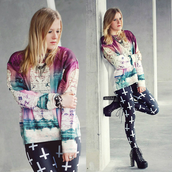 Klaudia W. - Topshop Sweater, Black Milk Clothing Leggings - White winter trees covered in snow