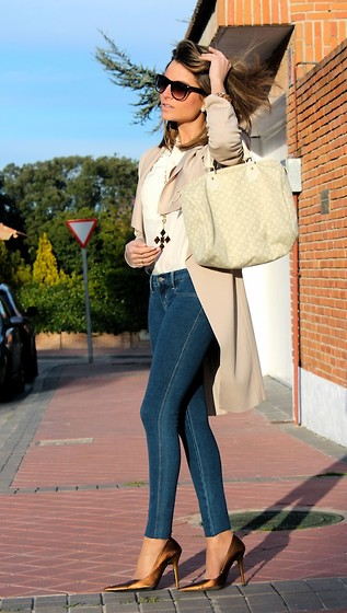Silvia Garcia Blanco - Mango Sunglasses, Louis Vuitton Bag, Suite 210 Bracelets, Suite 210 Necklace, Suite 210 Trench, Hollister Jeans, Calzados Gredos Shoes - Sunday like a Saturday / Un domingo como si fuera sábado