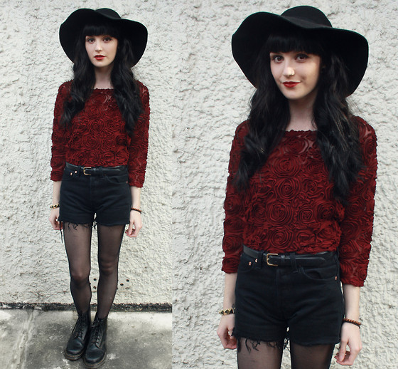 Kayleigh B - Oasap Hat, Ohmylove.Couk Rose Sweater, Levi's® Shorts - Ace of Spades